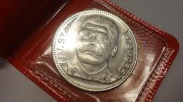 14O - URSS J. V. Staline 1879-1955 - Monnaies