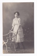 Carte Photo Jeune Femme En 1920 VOIR Dos Tampon Forme Palette De Peintre Beltramo New Photo Paris 16ème - Arrondissement: 16