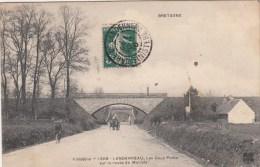 LANDERNEAU (29)  LES DEUX PONTS - SUR LA ROUTE DE MORLAIX - Landerneau