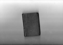 Petit Livre  De 10 Sur 7 Cm Avec 390 Pages ((Der Geheiligte Tag Der Christen )) - Christianism