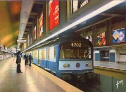 """Paris.. Animée.. Réseau Express Régional.. RER.. Station """"Charles De Gaulle"""".. Train.. Rame.. Métro - Metropolitana, Stazioni"""