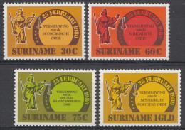 Surinam Mi.nr.:934-937 Reformen 1981 Neuf sans Charniere / MNH / Postfris