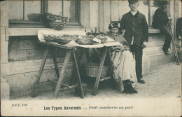 BELGIQUE ANVERS / Petit Commerce au port /