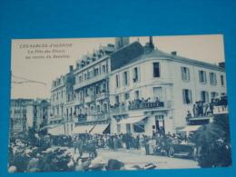 85) Les Sables-d´olonne - La Fete Des Fleurs Au Centre Du Remblai  ( Hotel Bellevue )  - Année  - EDIT- Limousin - Sables D'Olonne