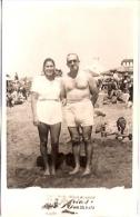 """RETRATO PAREJA COUPLE LOVERS FIANCEE BAGNISTAS MAR DEL PLATA """"CASA FOTO ARIAS"""" NON CIRCULEE- AÑO 1948 GECKO. - Koppels"""