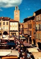 30-BAGNOLS SUR CEZE..LA PLACE AUGUSTE MALLER JOUR DE MARCHE...CPM ANIMEE - Bagnols-sur-Cèze