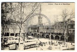/!\ 4941 - CPA/CPSM - 11 - Limoux : Place De La République - Limoux