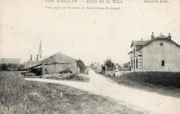 LES MAILLYS - LE BOUT DE LA VILLE - VUE PRISE PAR LA ROUTE DE ST-JEAN-DE-LOSNE - PETITE ANIMATION - PEU COURANTE - - Autres Communes