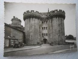 CP 61  ALENCON  - Château Des Ducs D'Alençon  -  Voiture Automobile - Affiche Cirque Pinder - Alencon