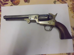 Revolver Uberti, Type Colt 1851 Cal 31 - Armes Neutralisées