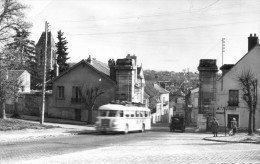Arpajon - La Porte De Paris - Bus, Autocar - Arpajon