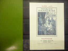 REP. RWANDA BLOK 25  xx ( COB ) COTE : 5.75 EURO ( B )