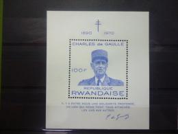 REP. RWANDA BLOK 23  xx ( COB ) COTE : 4.00 EURO ( B )