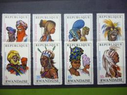 REP. RWANDA 301/308  xx ( COB ) COTE : 8.00 EURO ( B )