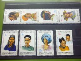 REP. RWANDA 408/415  xx ( COB ) COTE : 7.00 EURO ( B )