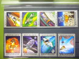 REP. RWANDA 384/391  xx ( COB ) COTE : 5.00 EURO ( B )