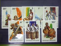 REP. RWANDA 519/526  xx ( COB ) COTE : 4.50 EURO ( B )