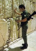 JERUSALEM SOLDAT PRES DU MUR DES LAMENTATIONS - Personajes