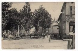 26-LE GOUBET-La Place-Animée-CPA - Otros Municipios