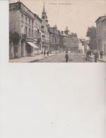 SOIGNIES   RUE DE LA STATION TRES BELLE ANIMATION  TOP CARTE ECRITE 1920 - Soignies