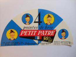 TGE55012b - étiquette De Fromage - POINTES DE BRIE PETIT PATRE 105g - Roustang à SORCY - Meuse 55B - Käse