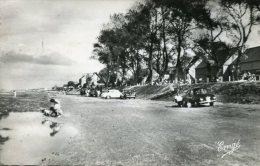 CPSM Format CPA - CHERRUEIX - La Plage, Animé - Automobiles - Francia