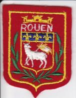 ECUSSON TISSU BRODE ROUEN SEINE MARITIME ARMES BLASON HERALDIQUE - Blazoenen (textiel)