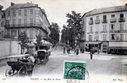 B9058 Vichy -  La Rue De Paris - Vichy