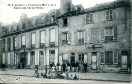N°40180 -cpa Argenteuil -l'ancienne Mairie Et Le Commissariat De Police- - Police - Gendarmerie