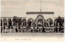 Cpa Tunisie - Tunis - La Caserne Saussier - Tunisie