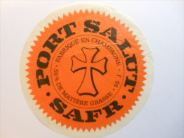 TGE55017 - étiquette De Fromage - PORT SALUT - SAFR à NOYERS LE VAL - Meuse 55J - Käse
