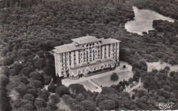 83 - SAINT RAPHAEL / VUE AERIENNE SUR LE GOLF HOTEL DE VALESCURE - Saint-Raphaël