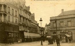 POITIERS - LA PLACE D'ARMES, RUE DE LA MARNE  'La Pharmacie Centrale' - Poitiers