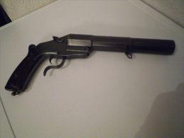 imposant ancien pistolet lance-fus�e suisse