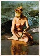 Blonde Junge Frau Im Bikini Am Strand, Karte Vom Volkskunstverlag Reichenbach I.V. - Pin-Ups