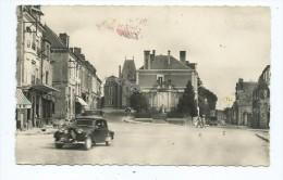 CPSM - Rethel - Monument Aux Morts Rue Du Palais - Rue Thiers - Voiture Ancienne Citroen Traction - Rethel