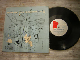 33 T  LP 25 CM NORMAN GRANZ ´ JAZZ AT THE PHILHARMONIC VOLUME 4 LESTER LEAPS IN BLUES BLUE STAR GLP 6904 - Jazz