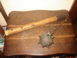 Ancien fleau medieval boule a pointe