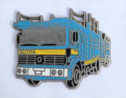 Pin's  SOTRA - Le Camion RENAULT Et Sa Remorque Porte Voitures - Zamac - Locomobile - D1133 - Transportation