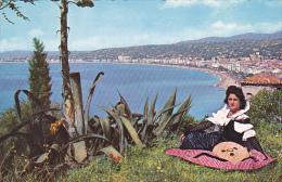 France Nice Vue d'ensemble sur la Baie des Anges et la Promenade