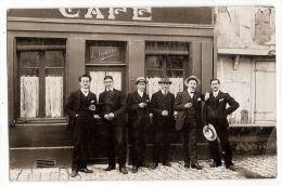 CPA Carte Photo Café E Vincent Lieu à Déterminer - Cafés