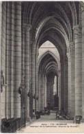 cpa  SOISSONS interieur de la cathedrale