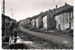 Z 100  CPSM   CLAYEURES GRANDE RUE - Autres Communes