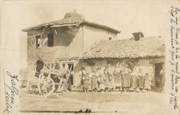 MACEDOINE - SERBIE - BELLE CARTE PHOTO DU VILLAGE DE ZABJANI - GROUPE DE FEMMES ET ENFANTS - Macédoine