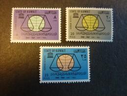KOWEIT, ann�e 1963, YT n� 210 � 212 neufs, tr�s l�g�re trace charni�re (cote 22 �)