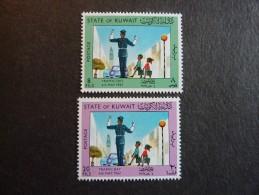 KOWEIT, ann�e 1967, YT n� 354 et 355 neufs, tr�s l�g�re trace charni�re