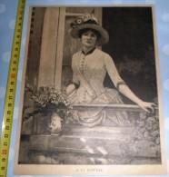 ANCIENNE GRAVURE DE 125 ANS FEMME A LA FENETRE - Vieux Papiers