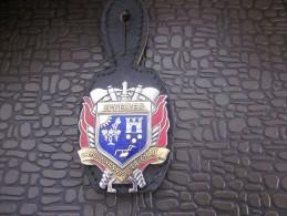 MILITARIA insigne militaire pucelle sur cuir des marins sapeur Pompiers Pompier Hy�res Carqueiranne La Crau var 83