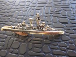MILITARIA insigne Militaire type pince cravate ou revers chemise Bateau navire guerre MARINE a identifier tr�s bon �tat