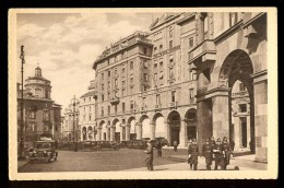 Policeman - Milano ------- Postcard Not Traveled - Polizia – Gendarmeria